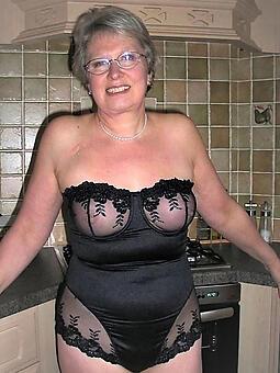 moms encircling sexy skivvies free naked pics
