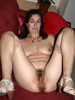 cougar mature brunette women photo