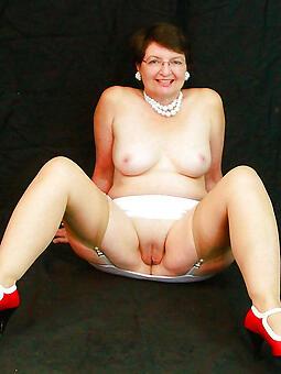 perfect mature legs nude
