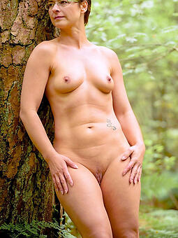 natural stark naked landed gentry with small tits