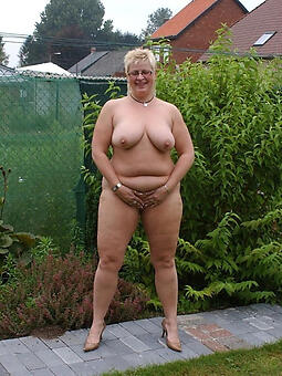 mature wifes nude pictures