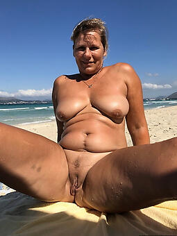 porn pictures be fitting of full-grown women beach