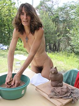 sexy moms desolate free porn pics