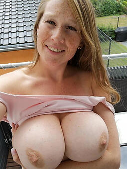 mom showing tits hot porn pics