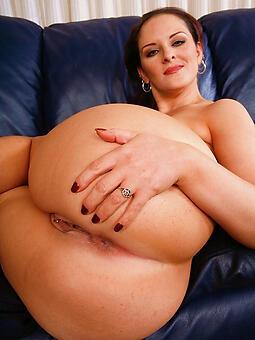 moms big booty