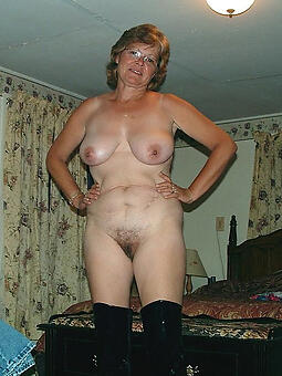 flawless unfurnished mature housewife pussy