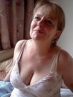 porn pictures of morose hot mature mom