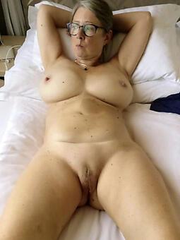 call-girl hot older moms