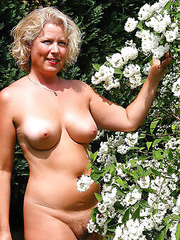 untalented well done lady hot pics
