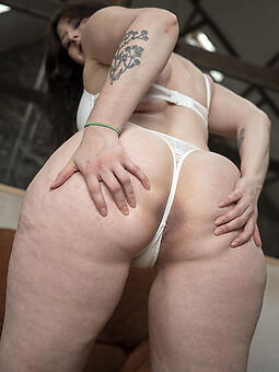 mom round big booty nudes tumblr