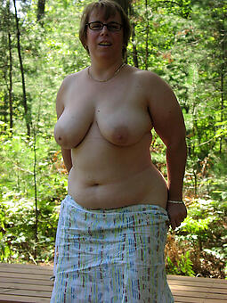 pretty curvy mature women pics