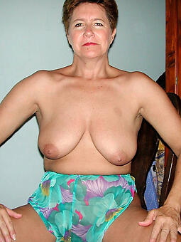 hot mom broad in the beam tits