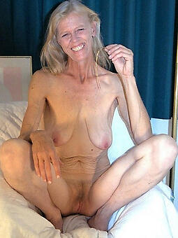 hotties moms saggy tits photo