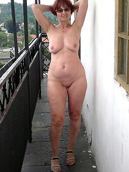 hotties horny redhead mom