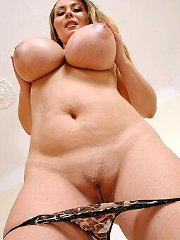 sexy lady tits easy naked pics