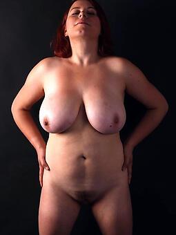 hotties moms tits pics
