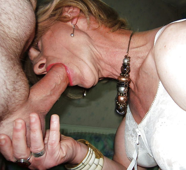 mature housewife fucking gallery