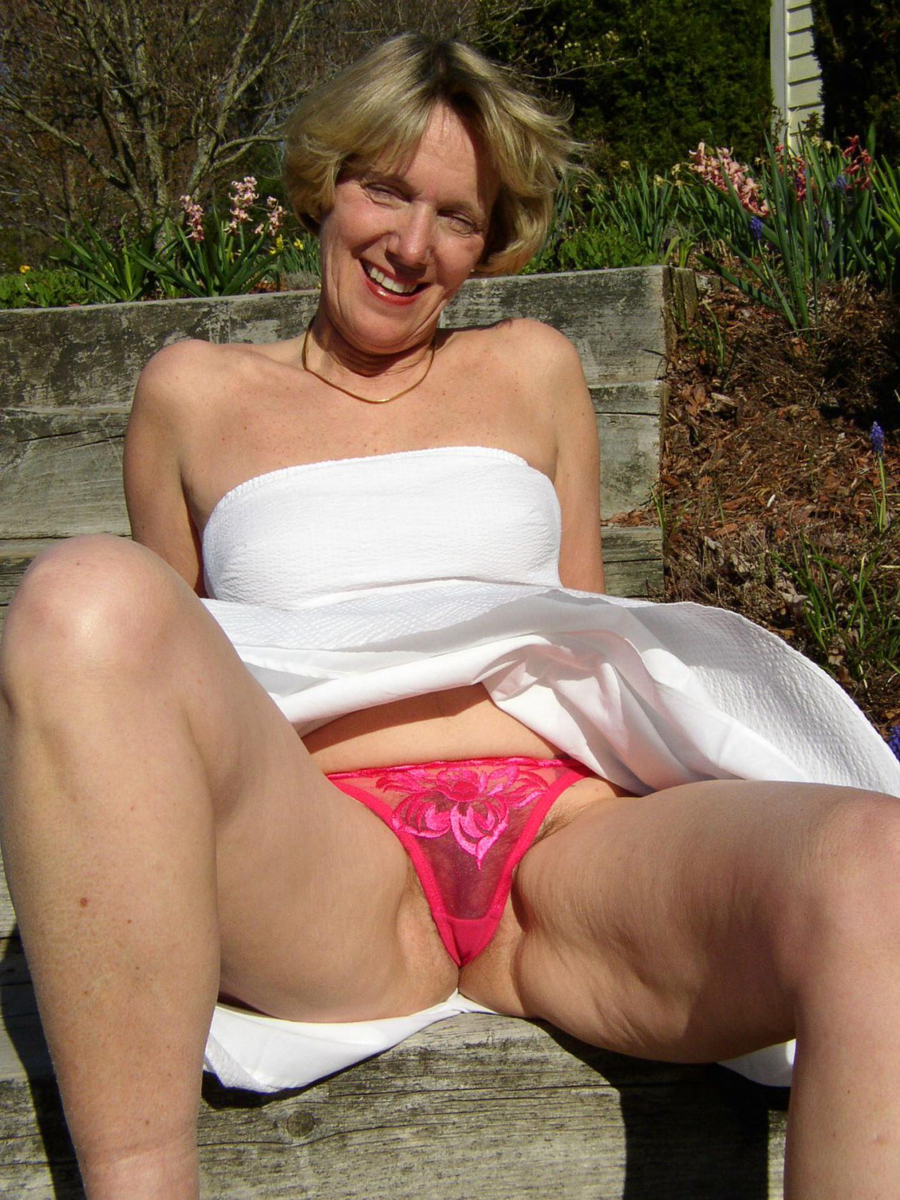 full-grown ladies upskirt hot porn pics