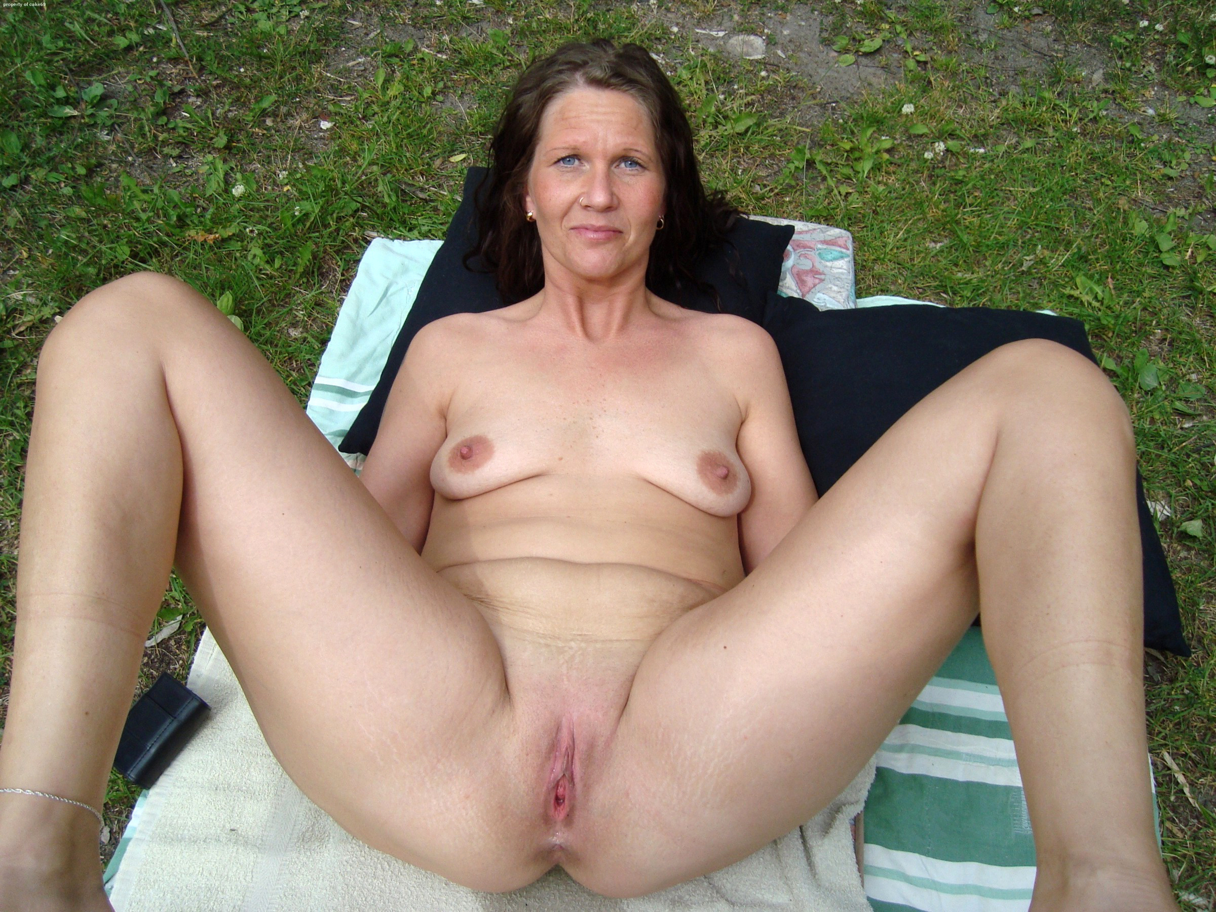 real hot grown-up shaved pussy galleries