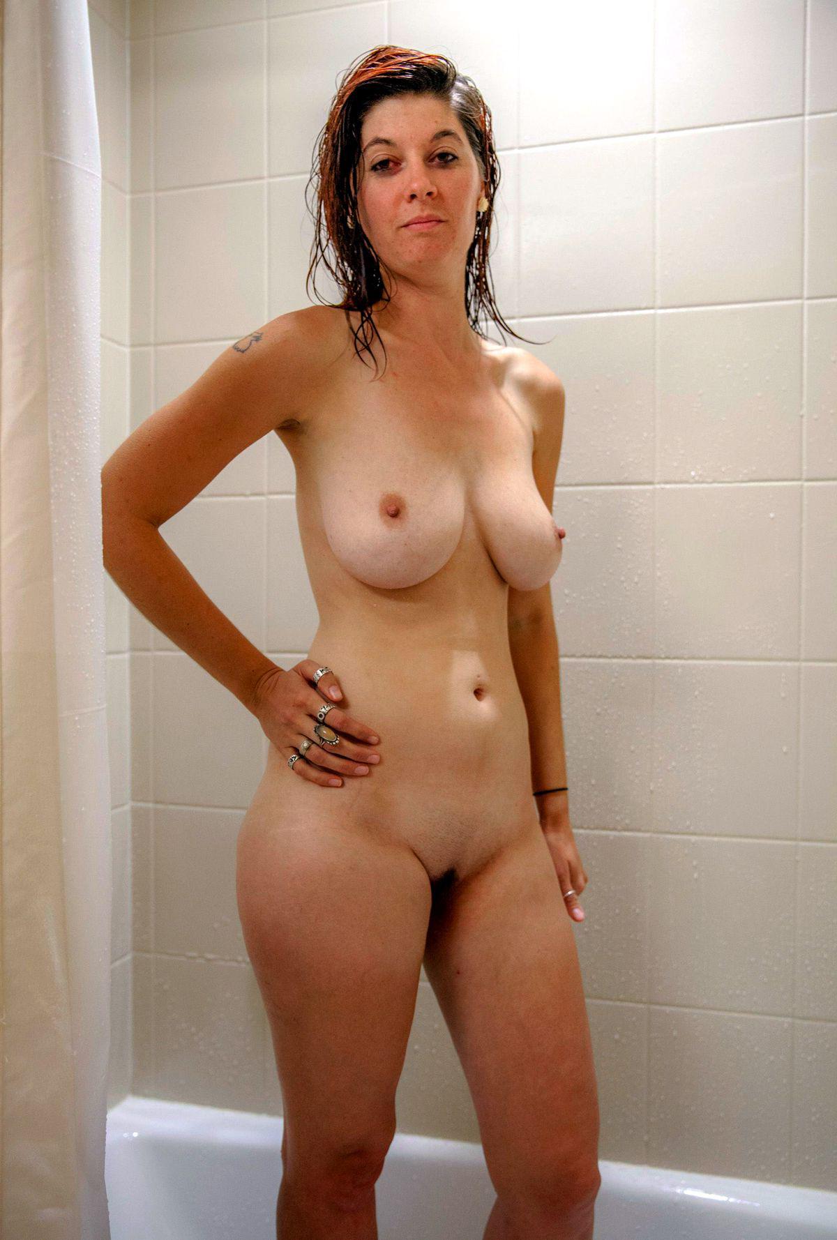 amature pretty nude ladies pics