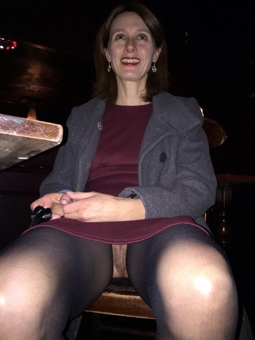 mom upskirt free naked pics