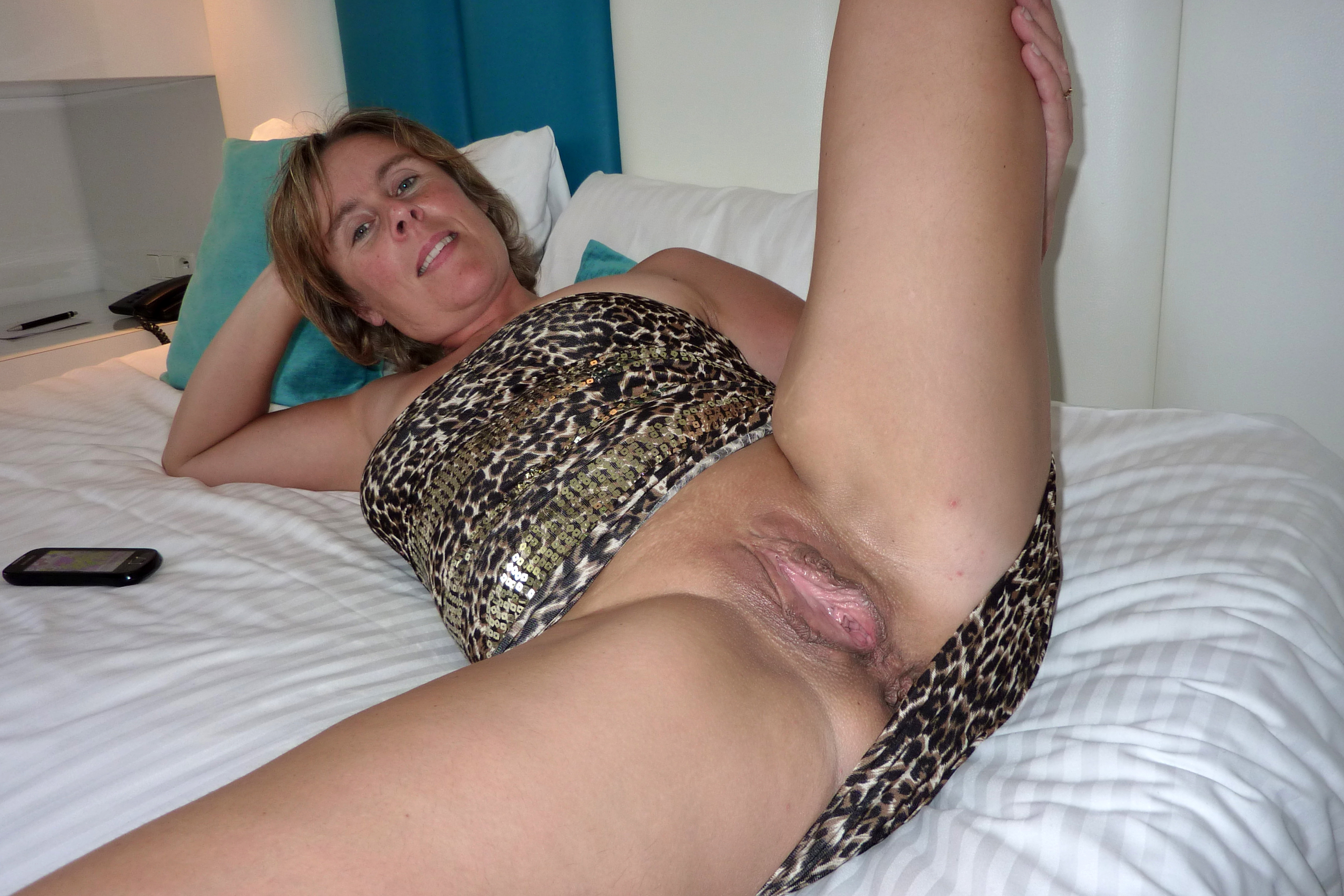 porn pictures of shaving moms pussy