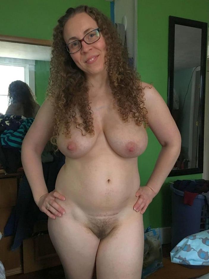 perfect hairy mom pics