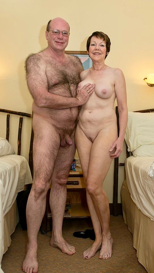 pictures of mature old couples